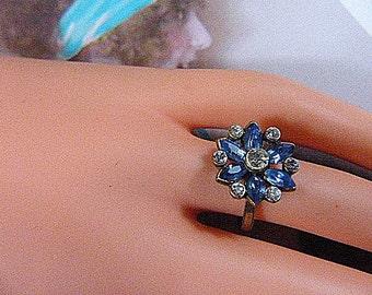 Vintage Gold Ring With Blue Rhinestones - Size Adjustable - R-194 - Blue Rhinestone Ring - Round Ring - Circular Ring - Flower Ring