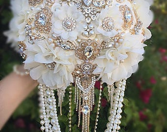 Ivory and Gold Brooch Bouquet Gold Brooch, Gold Wedding Bouquet, Vintage Style Brooch Bouquet, Gatsby Jeweled Bouquet - DEPOSIT ONLY