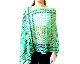 Poncho shawl at the emerald green hook tender