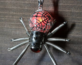 Steampunk gothic Jewelry - Necklace - Glowing Steampunk goth Spider pendant - Silver Tone