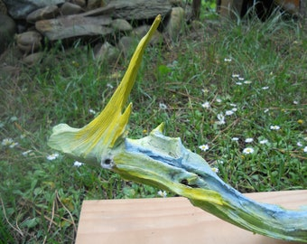 Reptile - stauette Driftwood painted