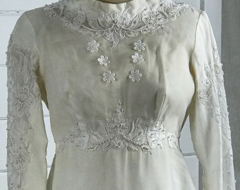 1960s Custom-Made Vintage Wedding Dress / 1960s White Vintage Wedding Dress wit Alencon Lace and Pearls and Detachable Cathedral Train