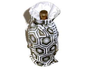 Gold Wine Gift Bag, Reuseable Fabric Wine Bottle Carrier Can Also Be Used For A Wedding, Anniversary Gift, Gold & White Fabric