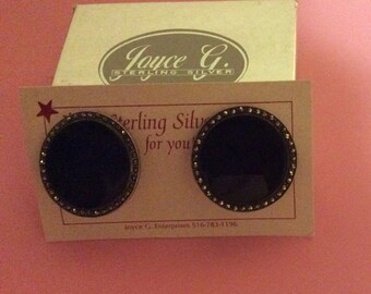 Sterling Silver, Black Onyx, & Marcasite Clip Earrings - vintage - Round Art Deco