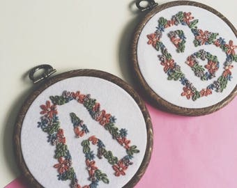 Custom Floral Alphabet Letter Embroidery Hoop Art, Embroidery Art, Hand Sewing, Calligraphy, Floral Lettering, Nature, Textile Art
