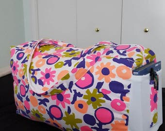 Overnight, weekend pink orange flower print Bags