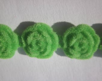 2 Suede flowers to paste (Q26) 12 mm Green