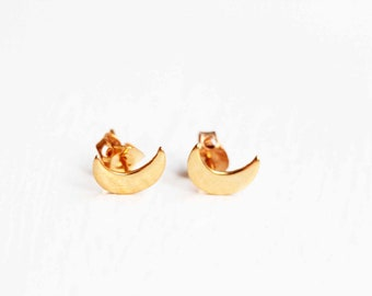 Moon Studs Gold, Small Moon Studs, Moon Earrings, Gold Moon Stud Earrings, Moon Jewelry, Moon Shaped Studs, Crescent Moon Studs, Gold Studs