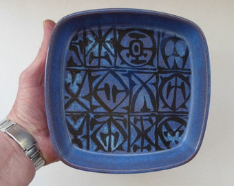 Vintage 1960s ROYAL COPENHAGEN Aluminia Faience Bowl or Shallow Dish. 6 1/2 inches. Abstract Baca by Nils Thorsson