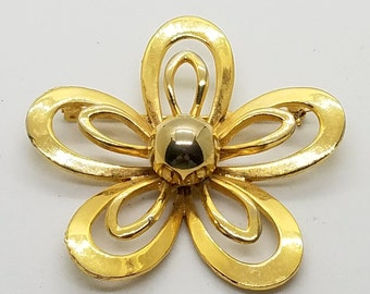 Vintage Polished Gold Tone Flower Brooch / Daisy / Lapel Pin / Retro / Sixties Mod / Vintage Jewelry