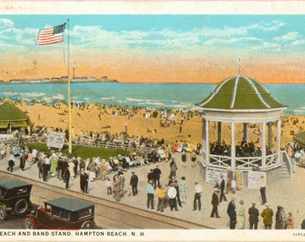 Linen Postcard, Hampton Beach, New Hampshire, Beach and Band Stand, 1935