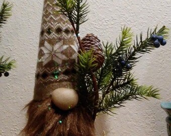 Winter Wonderland Gnome *Brown*