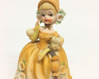 Lefton Victorian Girl Figurine//Yellow Dress and Bonnet//Collectible Figurine//Vintage Figurine