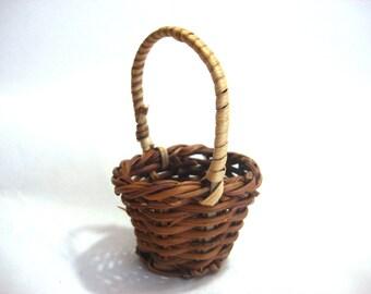Miniature Basket Fern Dollhouse Diorama Shadow Box Supply Accessory 1:6 Scale - 526 C