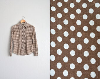 SALE // Size S/M // POLKA DOT Button-Up Shirt // Brown - Long Sleeve Blouse - Heart Buttons - Wing Collar - Vintage '70s.