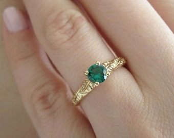 Emerald leaves Engagement ring, 14k gold emerald ring, unique gold ring, ring with leaves, leaf gold ring, nature ring, three leaf ring