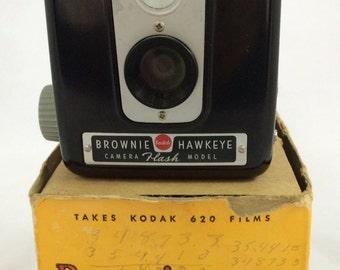 Vintage Kodak Brownie Hawkeye Camera - Flash Model - Bakelite - Beautiful Condition
