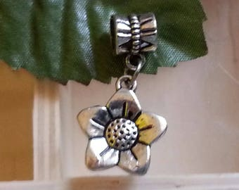 beads dangle, large hole flower beads, silver antique, 28 mm, hole: 5 mm. Flower: approx 17 x 15 x 3 mm