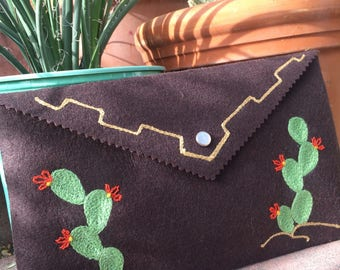 Chainstitch embroidered Cactus clutch purse!