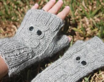 Owl fingerless gloves in soft alpaca/wool
