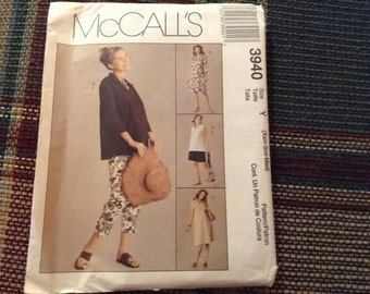 McCall's Maternity pattern 3940   new uncut size XSm- Sm -Med