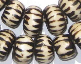 39 Batik Bone Beads - African Trade Beads - Made in Kenya - Large Chevron - Handmade Tribal - Fair Trade - Black & White (BON-RND-CHV-241)