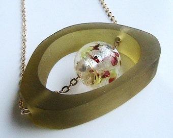 Olivgrün geometrische moderne Halskette, olivgrün-Kette, grün Acryl Mod Halskette, moderne Kette, Halskette, Art Deco