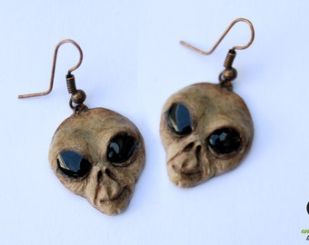Alien earrings, Alien jewelry, space jewelry, alternative jewelry, alien head, fimo alien, polymer clay earrings, alien polymer clay