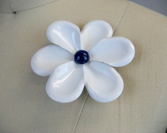 Vintage 1960s White Mod Flower Brooch 60s White and Blue Enamel Flower Pin