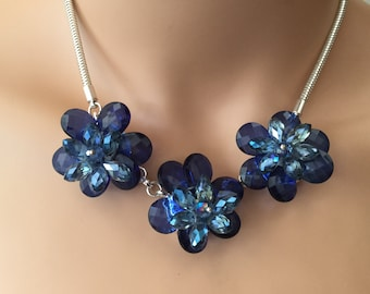 Faceted Blue Glass Flowers Chain Necklace