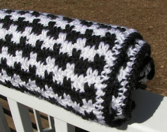 Black and White Baby Blanket - Striped Crochet Baby Blanket - Visually Stimulating - Handmade - Soft Yarn - Heirloom - Baby Shower Gift