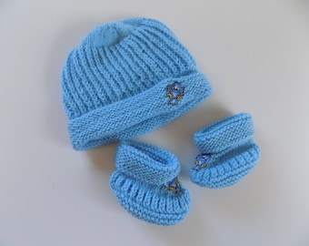 Baby Hat and Booties Set, 3-6 Month Hat, Baby Socks, Knit Baby Clothes, Light Blue Hat, Baby Bird Hat