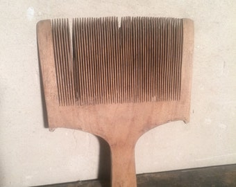 Wooden wool comb retro rustic primitives crest home decor wool carder antiques