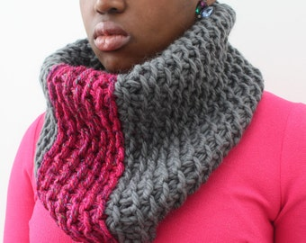Wool cowl, Gift for Girlfriend, Chunky knit snood, Grey and Pink neckwarmer, Grey and Pink scarf, Wool Scarf, Winter cowl, Merino wool scarf