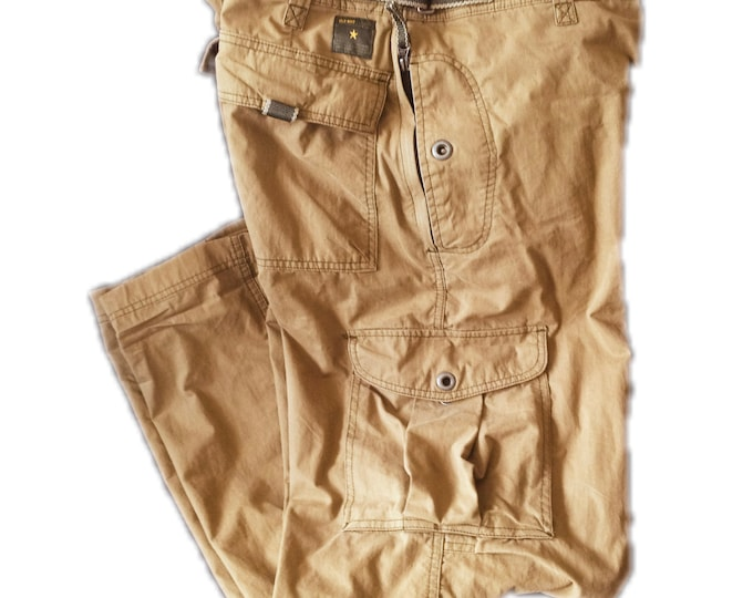 33 x 32 Old Navy Cargo Pants