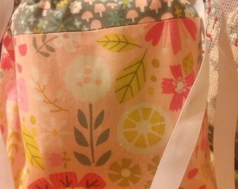 Pretty feminine floral print drawstring bag