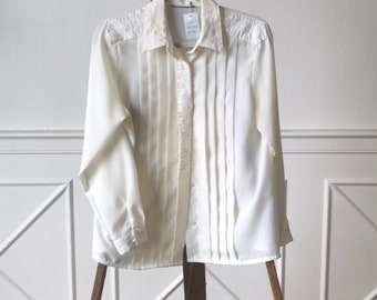 Vntg Cream Blouse with Stitching Detail, 90's