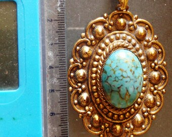 turquoise  glass old gold tone large filigree vintage pendant and chain.