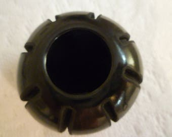 Black  Pueblo Pottery. SAnta Clara Black Carved Pottery. Signed NATIVE AMERICAN INDIAN Black Pot. Santa Clara Pottery. Signed Ryan Guttierez