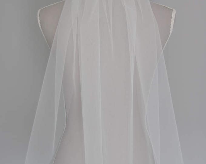 Waist length wedding veil