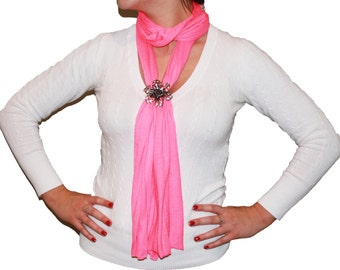 Magnetic Crystal Flower Pendant Scarf