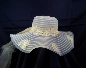 Vintage 1970s Yellow Sun Hat