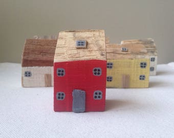 Little wooden house, Miniature house, miniature cottage, Recycled wood