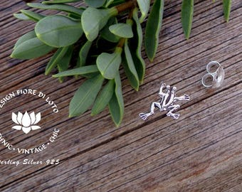 Sterling silver Frog Studs, Frog Lovers, Cute Gift, Animal Lovers, Minimalist gift, Pond animals,Amphibian lovers,Frog earrings,Frog jewelry