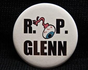 "RIP Glenn ""R.I. EYE. P Glenn"" Walking Dead, Steven Yeun 2.25"" Pinback Button or Magnet"
