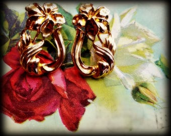 Art Nouveau-Style Flower Earrings