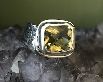 Lemon quartz freeform ring.