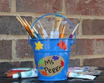 Personalized Art Teacher gift - Brush holder with vinyl colored palette, teacher name, and paint splats