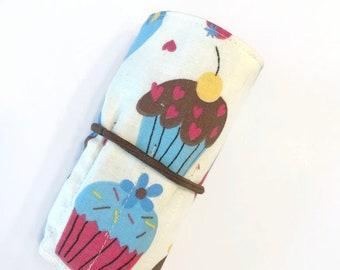 Cupcakes Crayon Roll