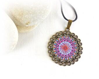 Collana per meditazione comprare online, con fotografia di mandala, gioiello regalo per mamma in stile buddista, per protezione.